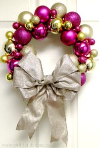 christmas ball ornament wreath